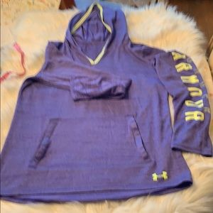 Under Armour Women's Medium Lightweight Hoodie EUC
